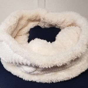 3/$21😊 Knitted Faux Fur Infinity Neck Warmer